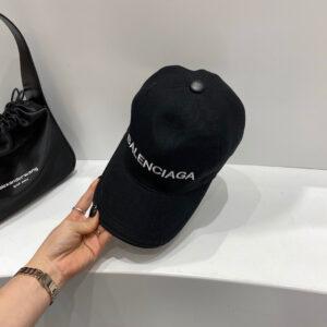 Mũ nam Balenciaga siêu cấp họa tiết chữ màu đen MBL02