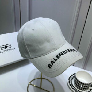 Mũ nam Balenciaga họa tiết chữ viền trắng MLB07