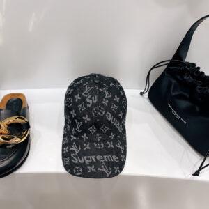 Mũ nam Louis Vuitton siêu cấphọa tiết chữ đen MLV07