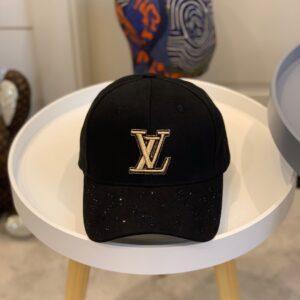 Mũ nam Louis Vuitton siêu cấp họa tiết đính đá màu đen MLV13