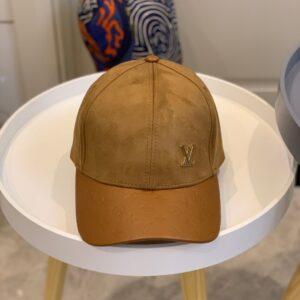 Mũ nam Louis Vuitton siêu cấp họa tiết logo vàng MLV12