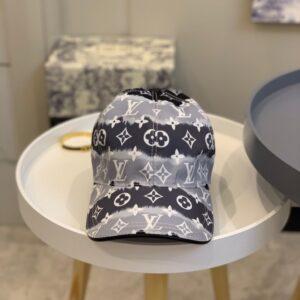 Mũ nam Louis Vuitton siêu cấp họa tiết viền trắng đen MLV18