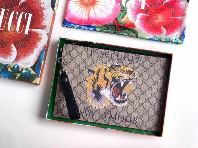 Clutch Gucci nam Bestiary Wolf Gg Supreme Pouch CLG11