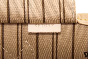 Hướng dẫn cách check (Kiểm tra) code giày Louis Vuitton chính hãng và các dòng sản phẩm của LV