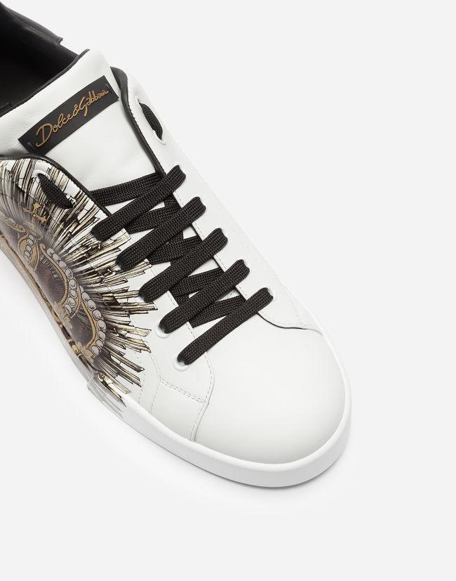 Mẫu giày Dolce & Gabbana này được thiết kế theo xu hướng Sporty