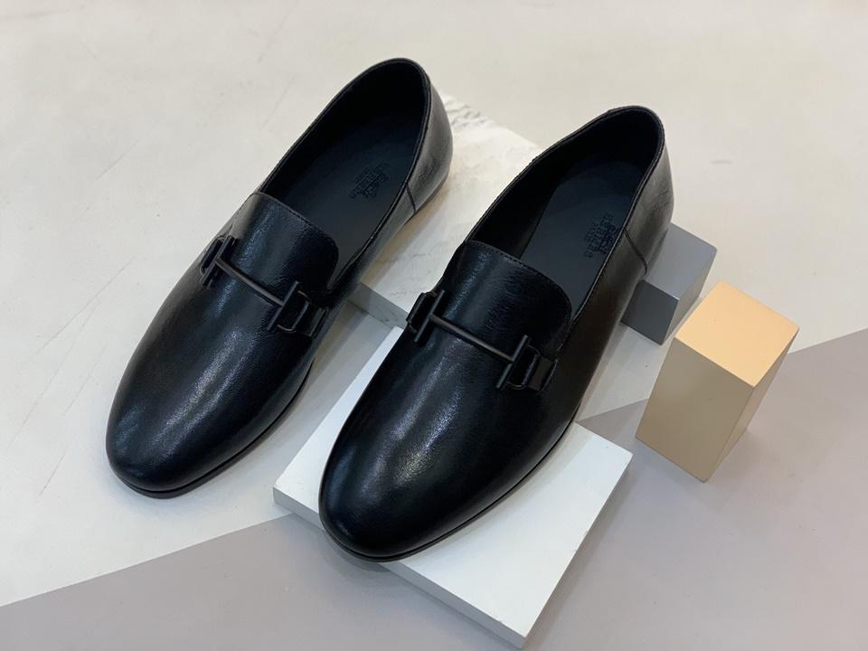 Mẫu giày mang đến cảm giác quý phái, nhã nhặn và quyền lực
