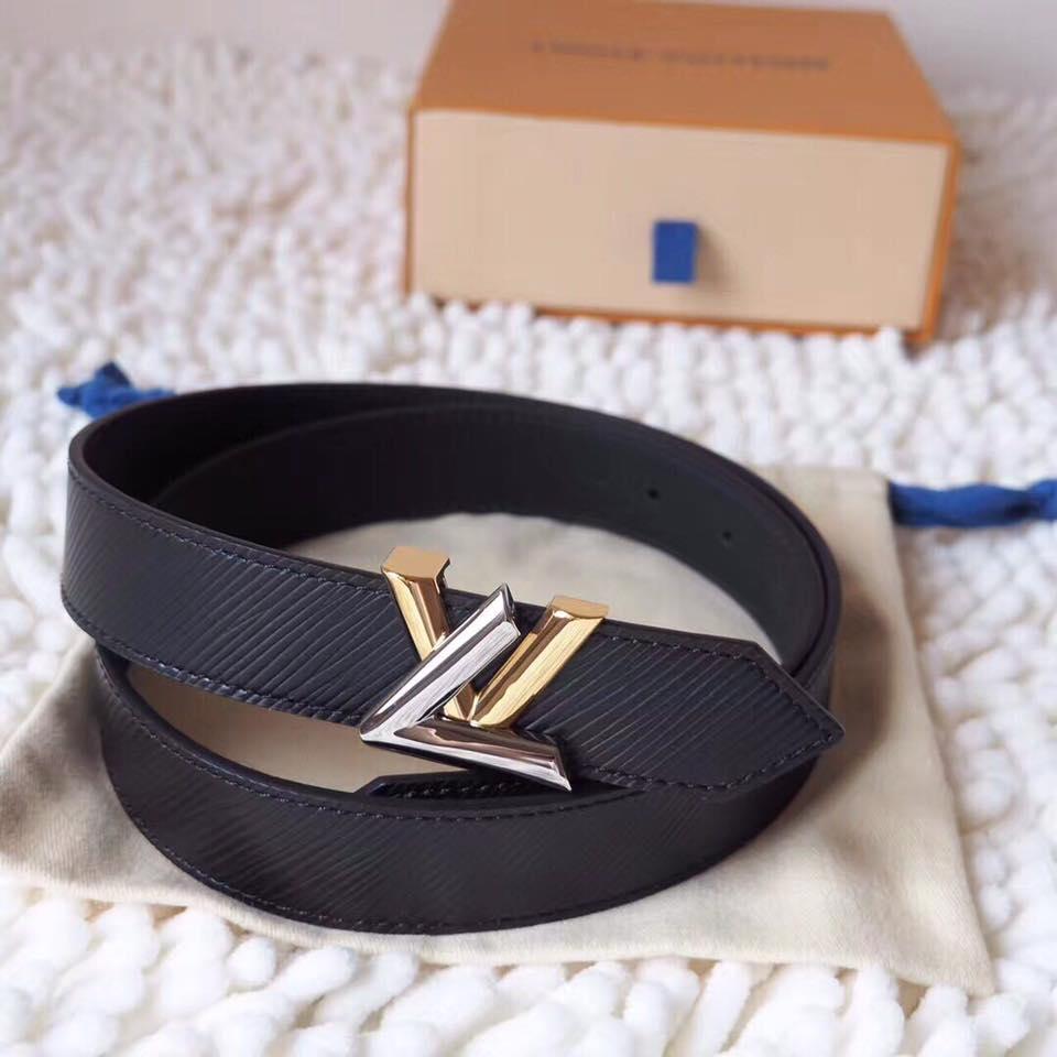 Thắt lưng Louis Vuitton được làm từ các loại chất liệu cao cấp nhất