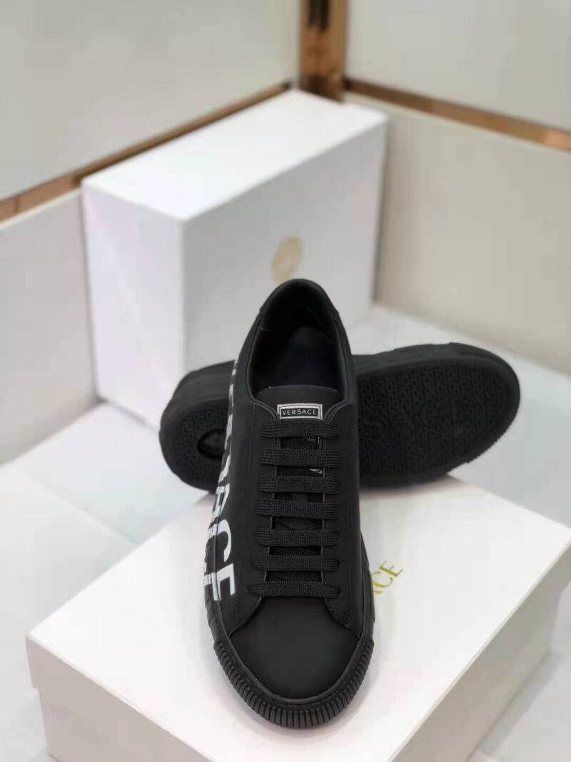 Giày Versace Greca Logo Trainers in Black GVS02