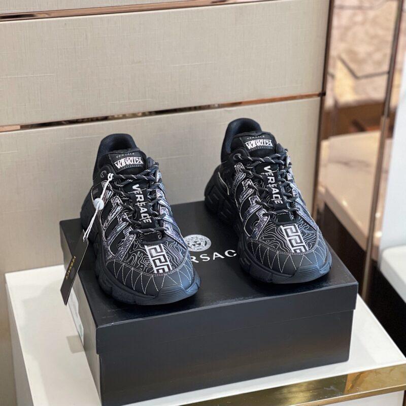 Giày Versace Trigreca Trainers in Black GVS05