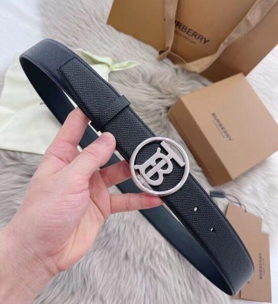 Thắt lưng Burberry dây taiga khóa chữ B màu trắng TLB12
