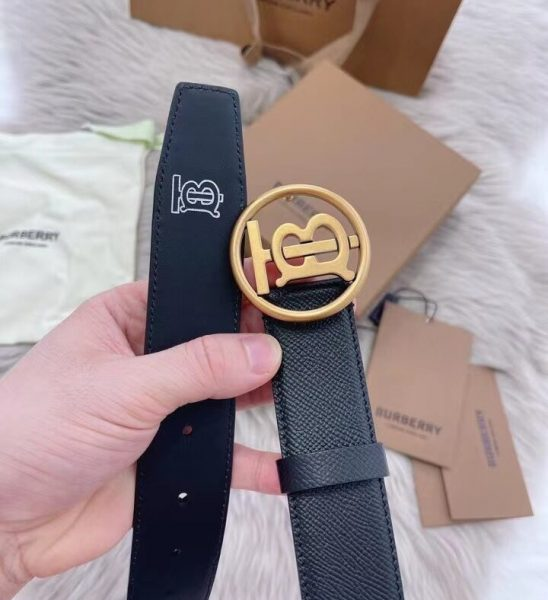 Thắt lưng Burberry dây taiga khóa chữ B màu vàng TLB13