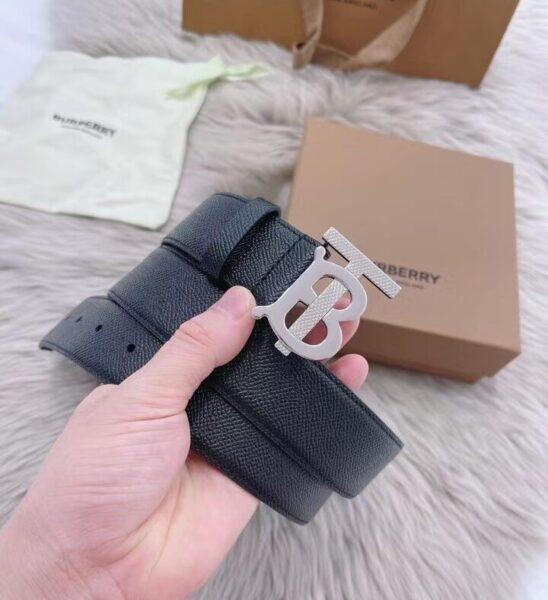 Thắt lưng Burberry siêu cấp dây taiga khóa chữ màu trắng TLB11